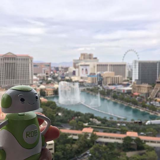 Rob Sparke - Watching the Bellagio Fountains while I prep for #Realcomm20. Looking forward to a great event. #whereisrobsparke